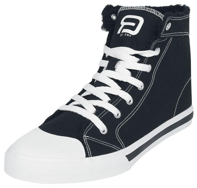 Black lined sneakers